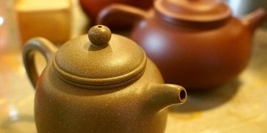 two-yixing-teapots